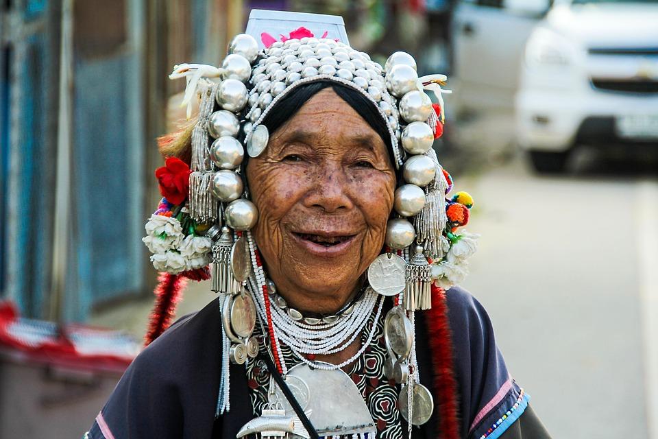 Älter werden – Wie gehen verschiedene Länder damit um?