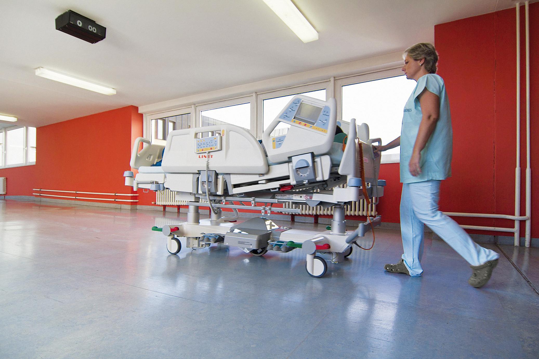 Minimaler Kraftaufwand für den Patiententransport